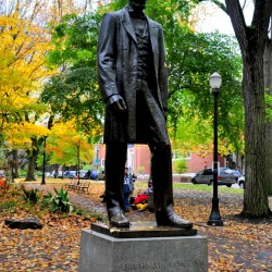 Should know who is this right? Abraham Lincoln