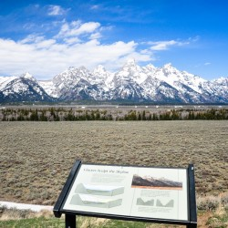 the amazing skyline of Grand Teton National Park