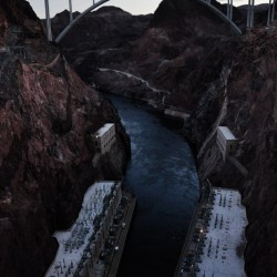 The bridge that crosses the Colorado River